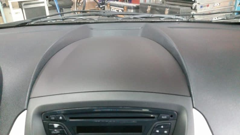 Interieur dashboard herstellen auto